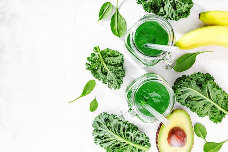 Spirulina, superalimentul care energizează organismul. 4 rețete delicioase de smoothie